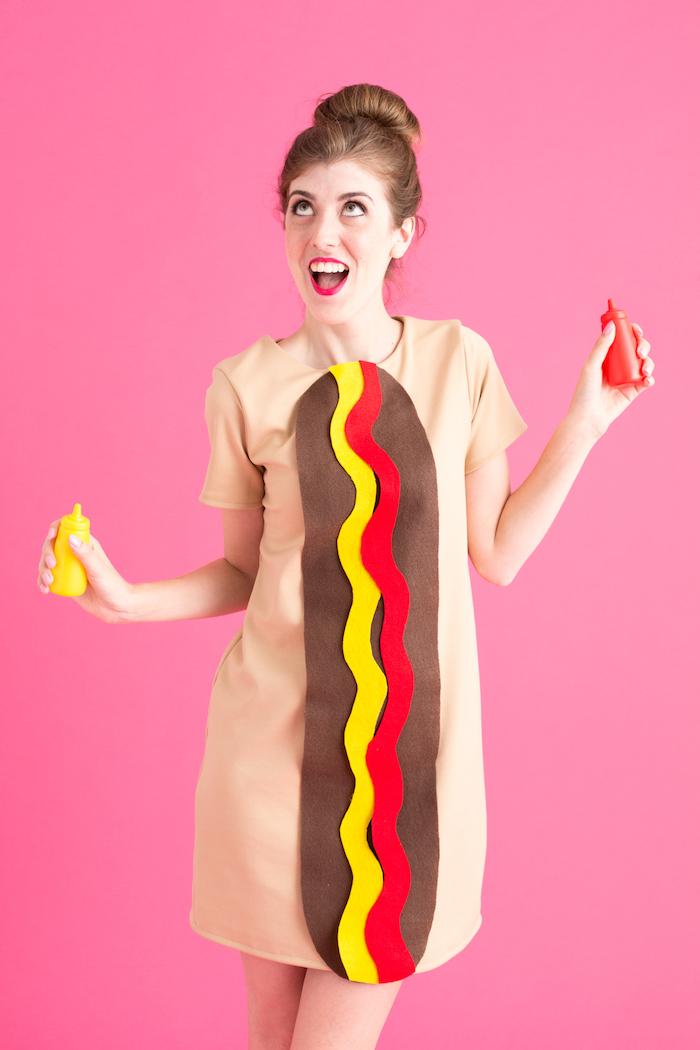 Hotdog Kostüm für Halloween, Last Minute Kostüme für Damen, gelben und roten Streifen als Senf und Ketchup, Wurst aus braunem Stoff