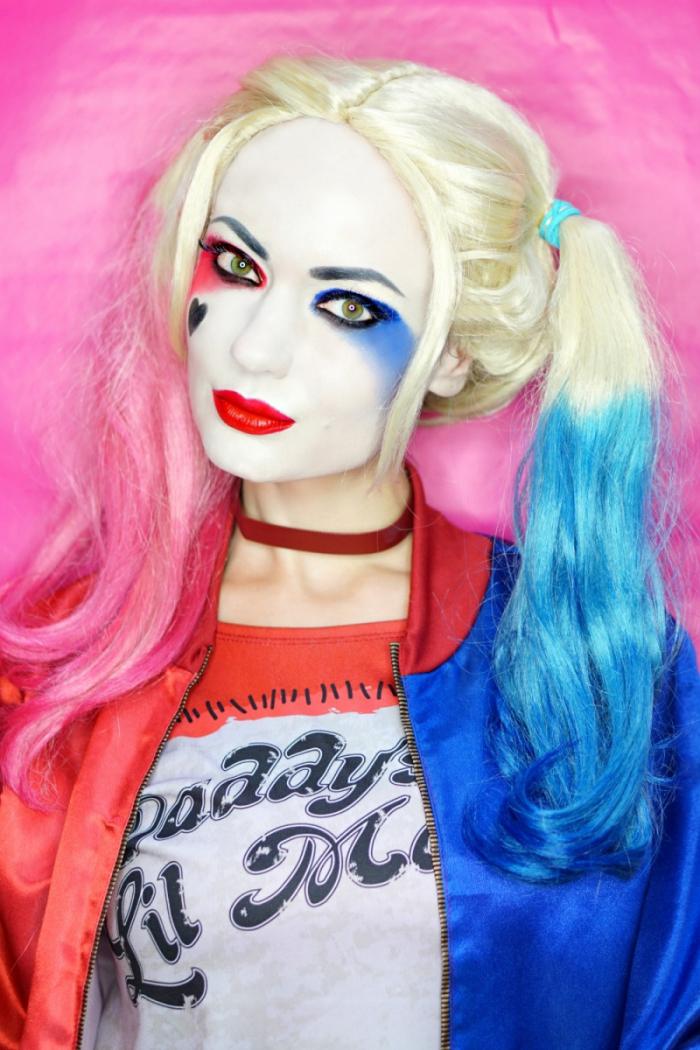 halloween make up selber machen, harley quinn schminke tutorial, einfache schminkideen