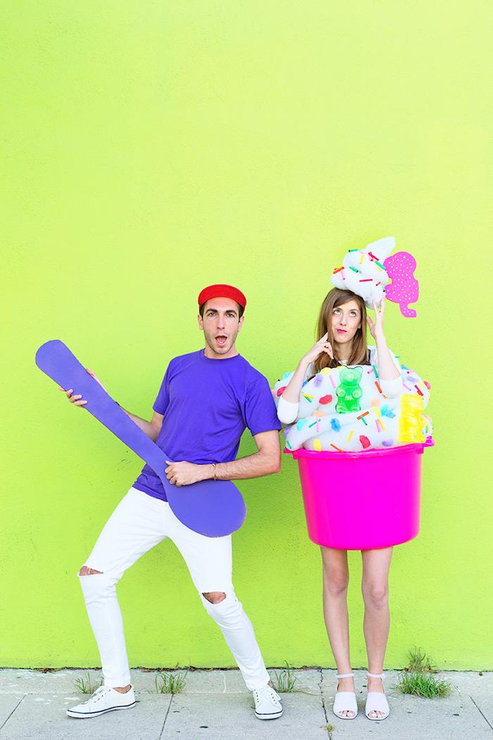 Lustige Kostüme für Paare, Eiscreme für sie und Löffel für ihn, coole Idee für Halloween Verkleidung