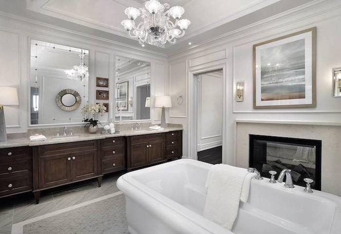 villa bauen und stilvoll dekorieren einrichten ausstatten, weißes baddesign, badezimmer ideen, holzschrank