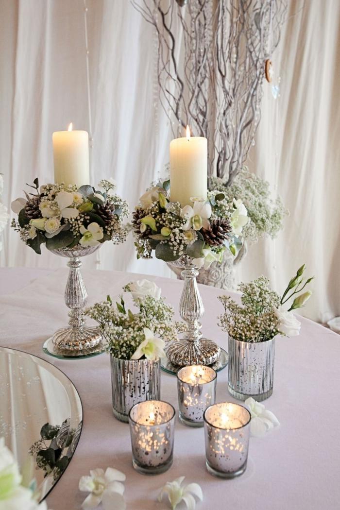 Alles für die Hochzeit, Kerzen auf Kerzenständer und Windlichter, Dekoration mit Blumen
