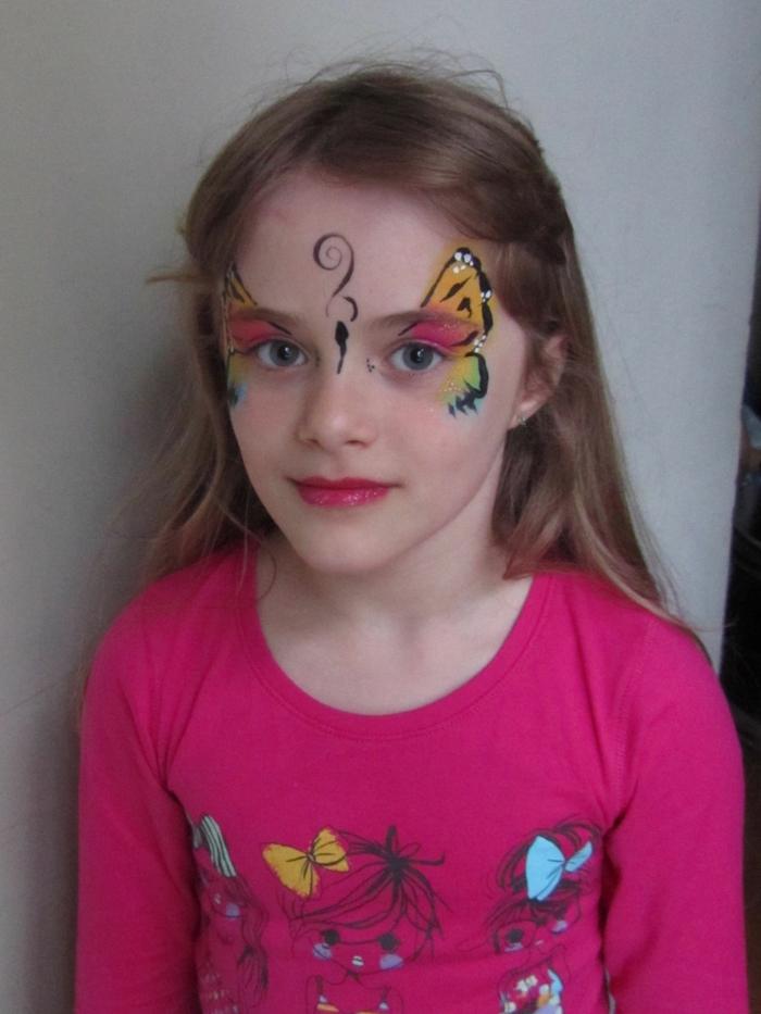 ein schöner Schmetterling mit Glitter um die Augen, Halloween Kinderschminken Vorlagen