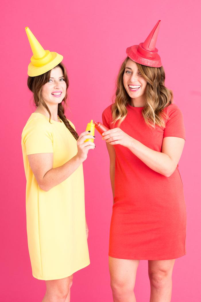 Last Minute Kostüme Ketchup und Senf, gelbes und rotes Kleid mit kurzen Ärmeln, Hüte aus Karton
