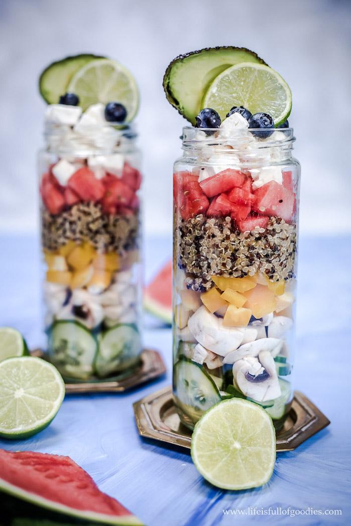 quinoa gepufft rezeptidee in glas, einmachglas, lecker und smart essen, gesunde ernährung