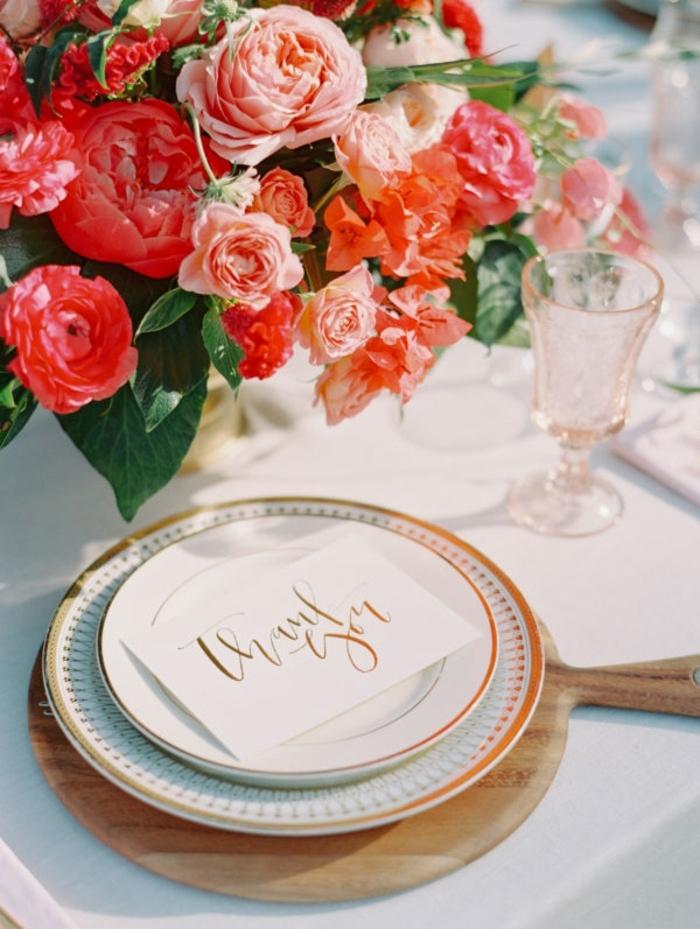 originelle Hochzeitsdekration, von einer Seiten fotografiert, kreative Idee mir Rosen