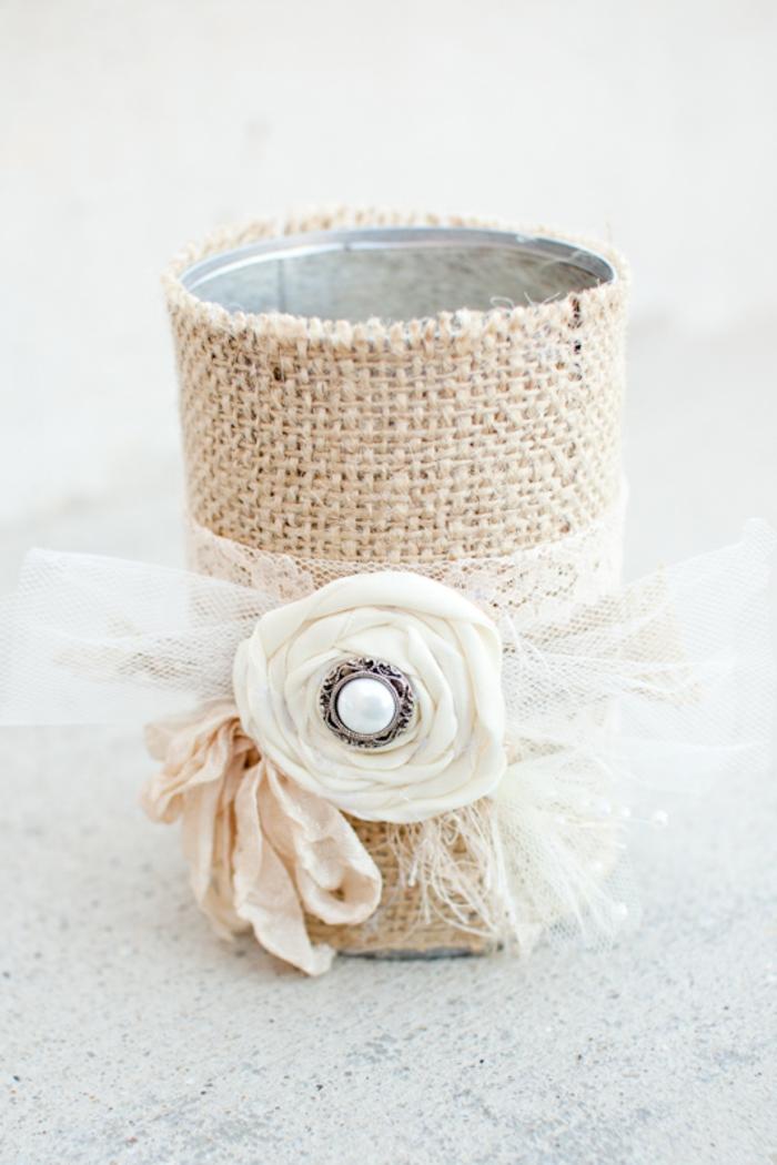 Kerzenständer mit Spitzenschleife und Rose aus Servietten, Ideen für Hochzeit