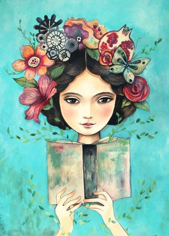 Frau mit Blumen, Früchten und Schmetterlingen im Haar hält Buch, schönes Bild zum Nachmalen