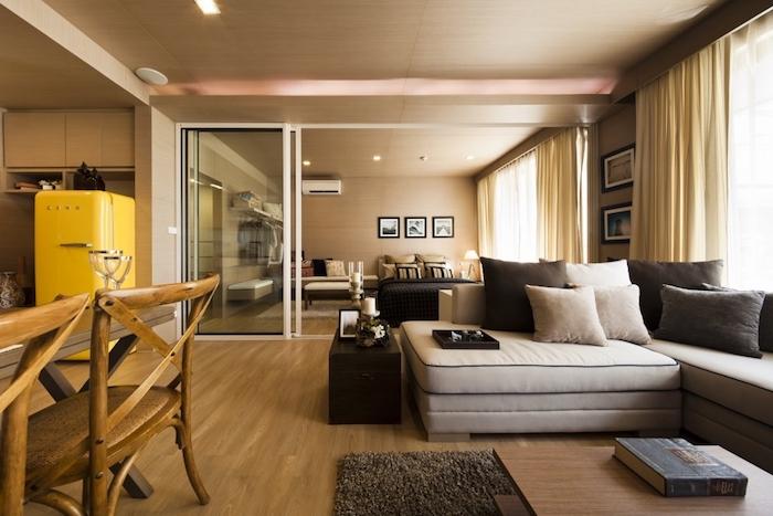 haus design innengestaltung muss mit dem exterieur harmonieren, sofa mit kissen