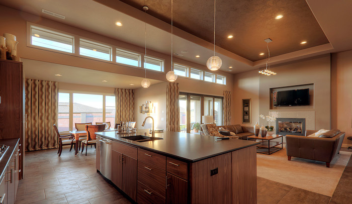 haus design idee zum inspirieren, holz kücheninsel idee, lampe design gestaltungsideen