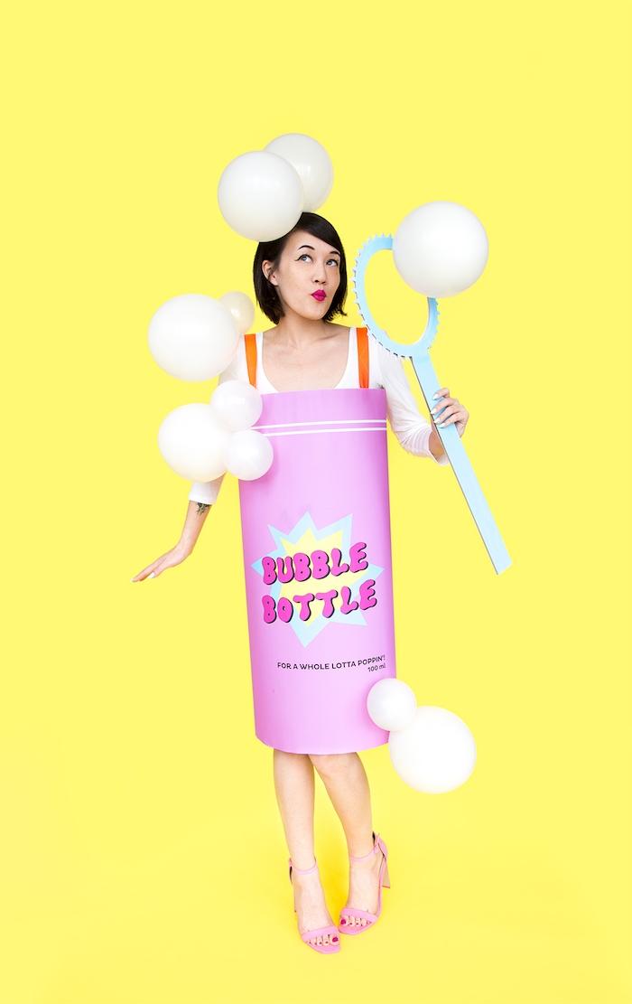 Lustiger Halloween Kostüm für Damen, weiße Luftballons als Seifenblasen, Zylinder aus Karton