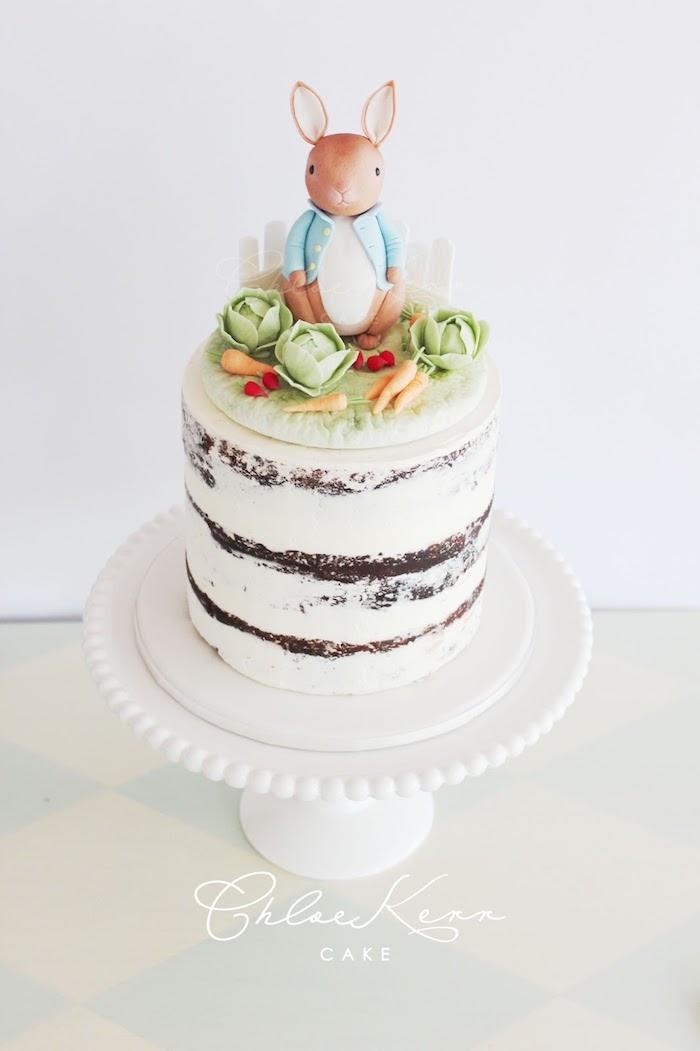 Tauftorte mit Hase, Kohl Karotten und Kaninchen aus Fondant, Naked Cake, Torten für besondere Anlässe