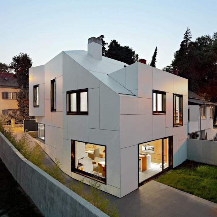 einfamilienhaus bauen idee für hausgestaltung in weiß mit kreativem design