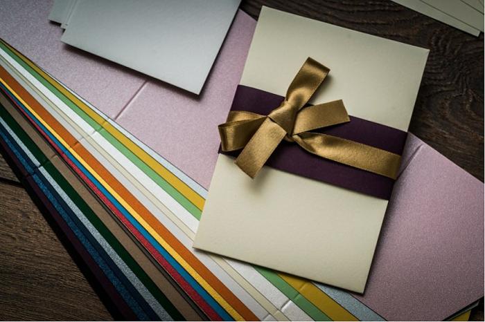 die nützliche Sachen, um das Basteln von Briefumschläge zu beginnen, Hochzeitsdeko