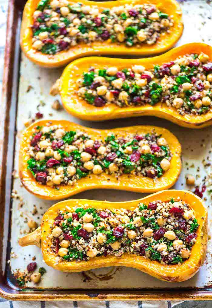 quinoa roh essen oder leckere speisen damit kochen, kichererbsen, bohnen, petersilie, kürbis