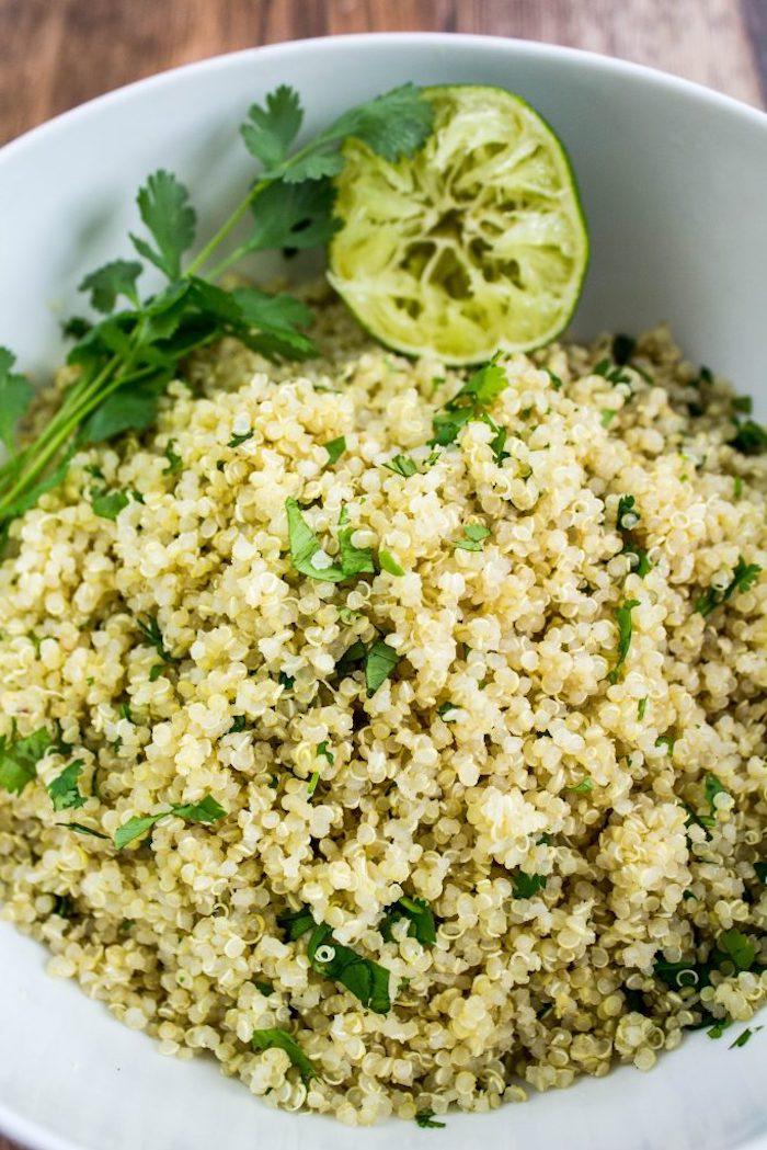 quinoa low carb, limetten, petersilie, grüne soße, ideen speiserezepten
