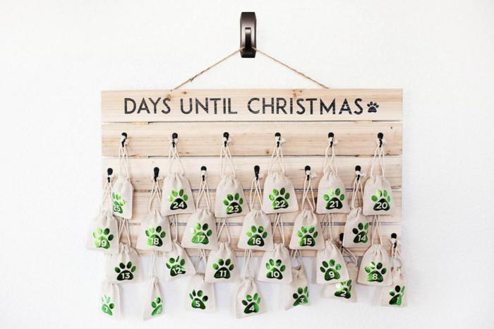 Adventskalender selber basteln, kleine Tüten mit Hundefütter, Adventskalender für das Haustier