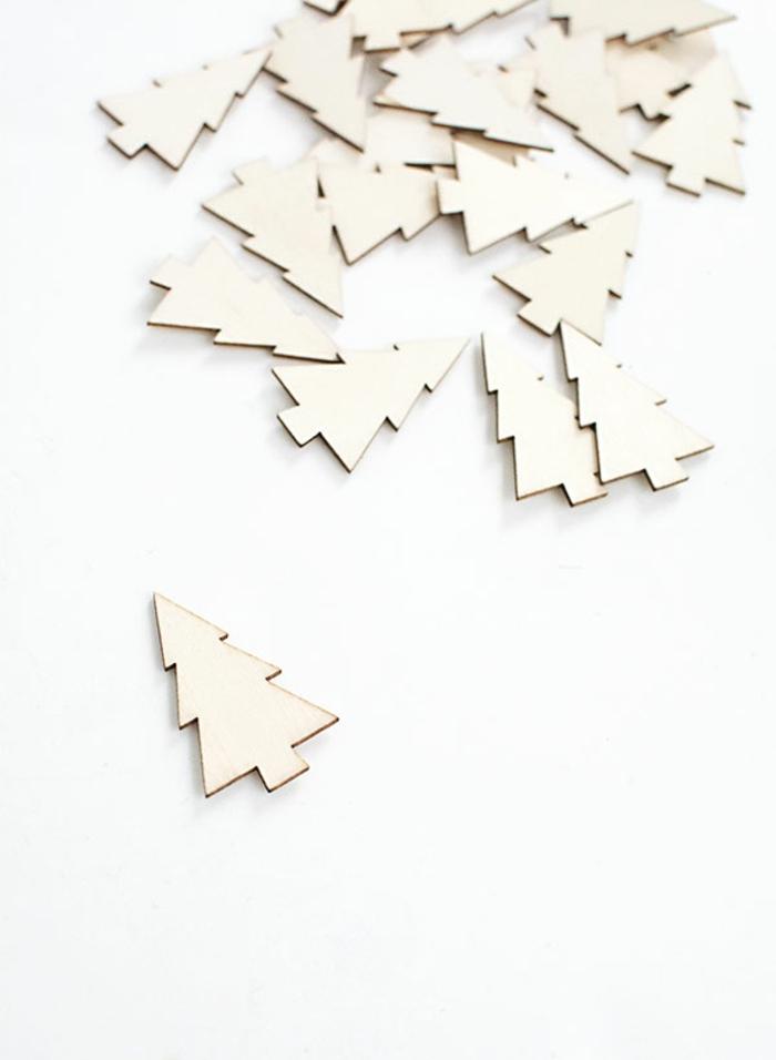 kleine Tannenbaum Figuren aus Holz, Figuren, die Sie färben können, Adventskalender basteln