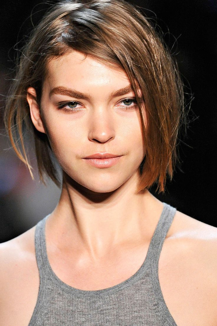 bob frisuren bei modeschauen, schöner lässiger look der haare, bob frisuren für dünnes haar