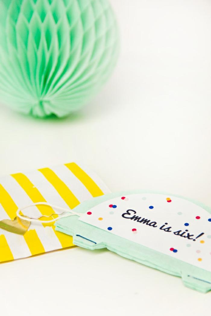 Einladungskarten erstellen wie Laternen und in einen gelben Briefumschlag stecken, Einladung zum Geburtstag