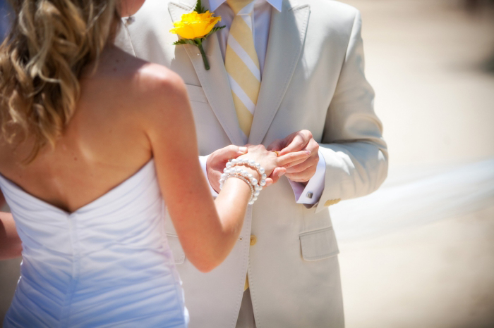 eheringe auswählen, hilfreiche tipps, braut und bräutigam, trauringe kaufen, heiraten