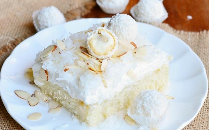 Makadamianüsse, Raffaello Pralinen, weiße Creme, ein Stück Zitronenkuchen, Torte selber machen