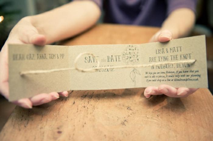 Lisa und Matt schließen den Bund fürs Leben, schlaue Einladungskarte basteln, mit einem Schnur als Symbol