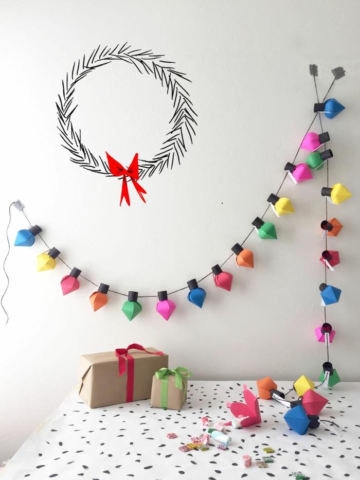Adventskalender Ideen, eine Lichterkette mit bunten Papier geschmückt, kleine Nummerchen von jeder Lampe