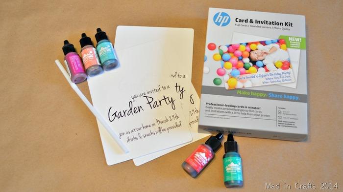 wie Sie zur Gartenparty Einladungen erstellen, bunte Farben, eine Vorlage und eine spezialle Ausstattung