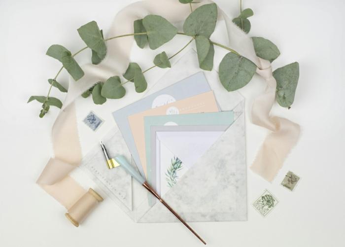 falten Sie den Briefumschlag mit dem nützlichen Zubehör, Einladungskarten selber basteln