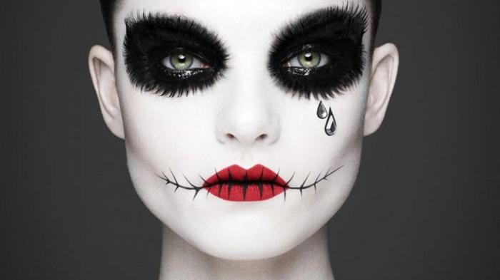 halloween schminke für frauen gruselige miene, weinende dame, horror puppe, rote lippen, zugeschnitten, groé schwarze augen