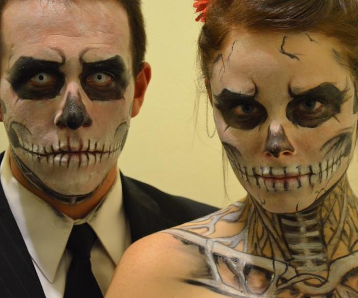 halloween make up einfach aber ganz fein und gruselig, familie totenkopf, mann und frau, kostüme für paare