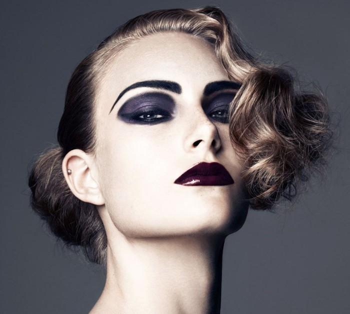 halloween schminken kinder, modeikone, model sein zu halloween, dunkle lippen, lila lidschatten, wellenartige haare