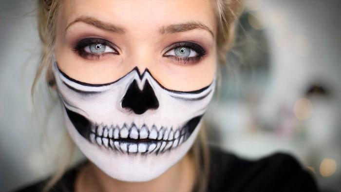 schminken halloween für damen, die gruselig aussehen wollen, totenkopf schminke, weiß und schwarz