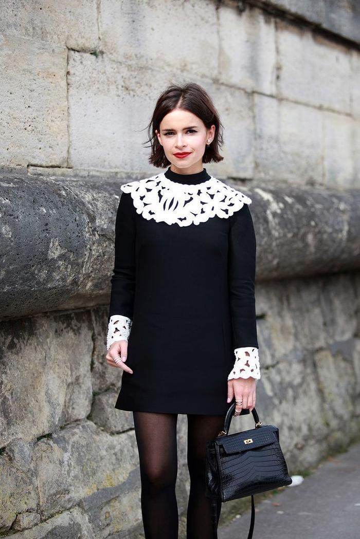 mehr volumen im haar mit bob frisuren kurz stufig, schwarzes kleid mit weißen elementen aus spitze deko