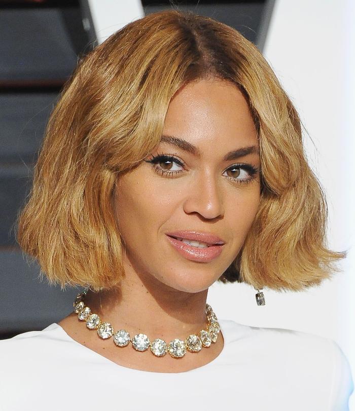 beyonce mit bob frisut ideen zum entlehnen von den stars, diva, blonde haare, orange farbe