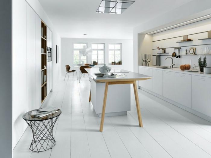 moderne Wohnung mit einer weißen Küche