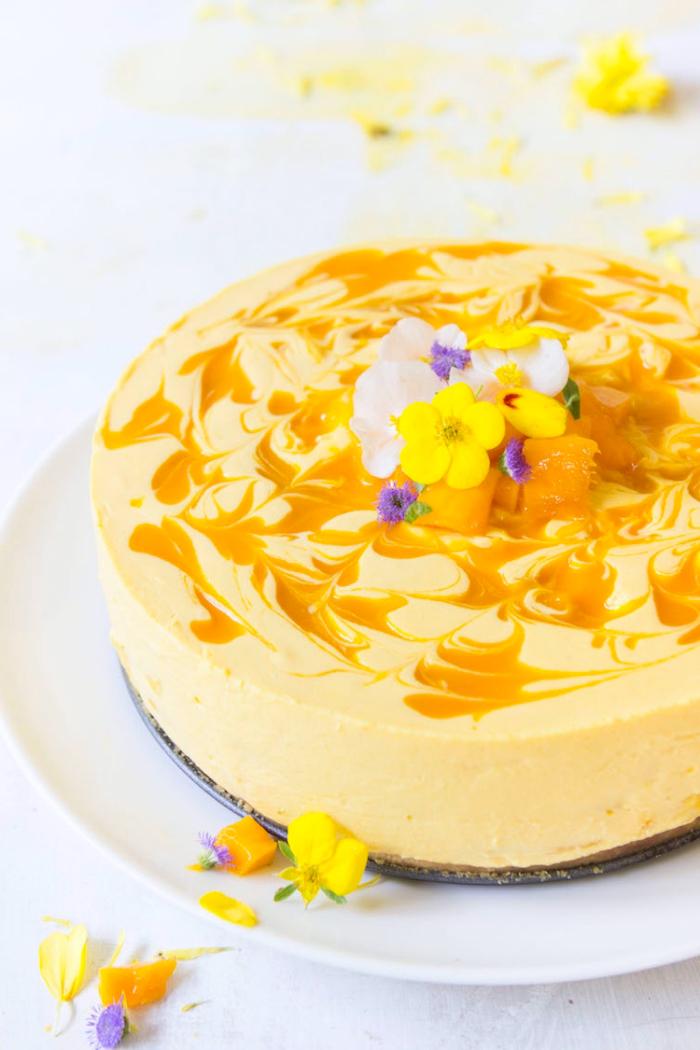 philadelphia kuchen mit mango zubereiten, sommer dessert rezept, hawaii party essen