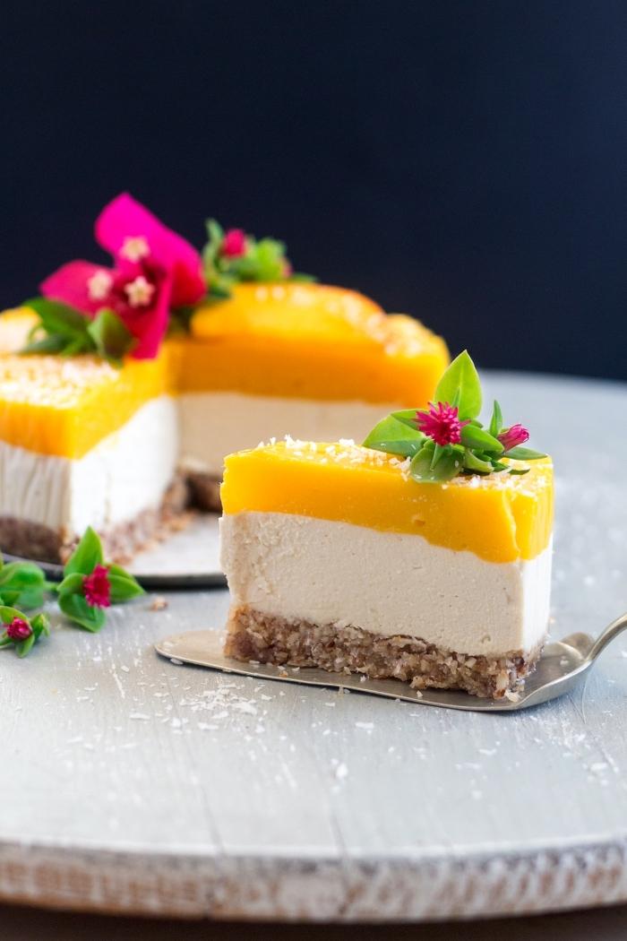 philadelphia torte mit mango, frishckäsekuchen rezept, einfaches dessert ohne backen