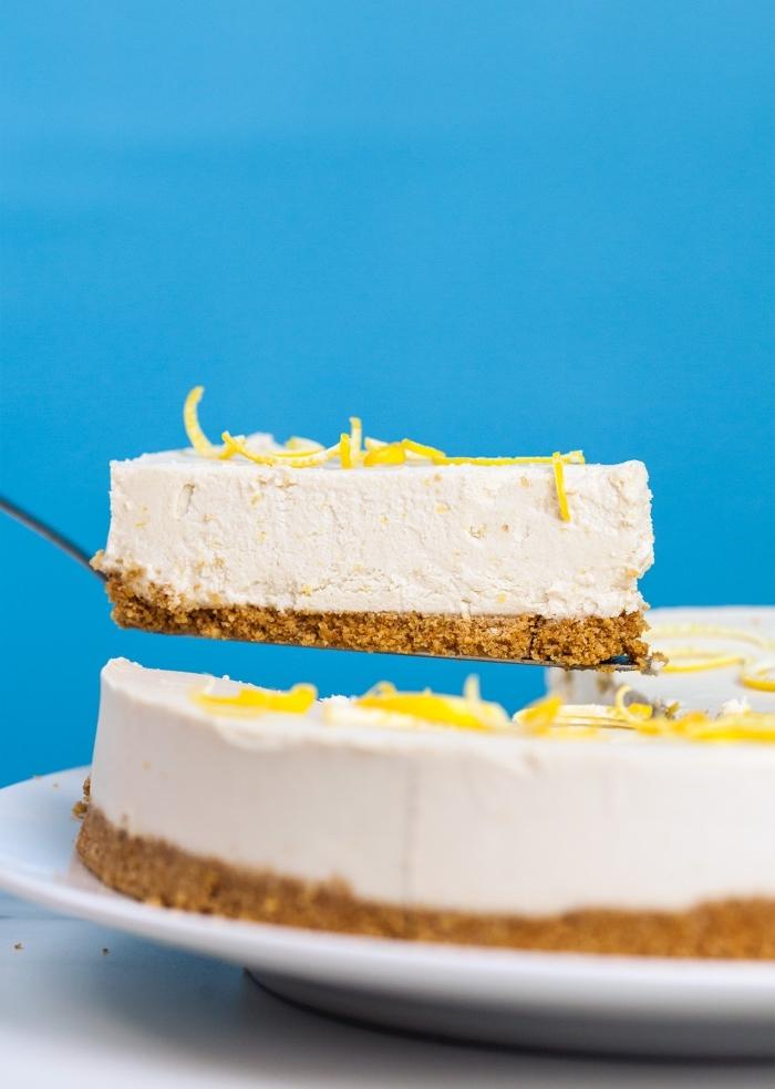 philadelphia torte selber machen, grundrezept mit zitrone, kuchen mit keksboden