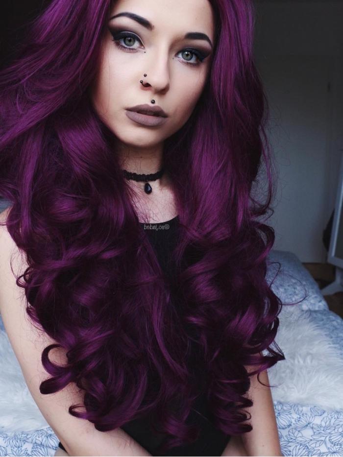 bunte haarfarben, langes dickes haar, gesunde haarstruktur lässt mehr experimente mit den haarfarben zu