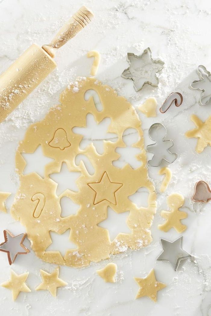Weihnachtsplätzchen zum Ausstechen, verschiedene Weihnachtsmotive , Sterne Schneeflocken und Zuckerstangen