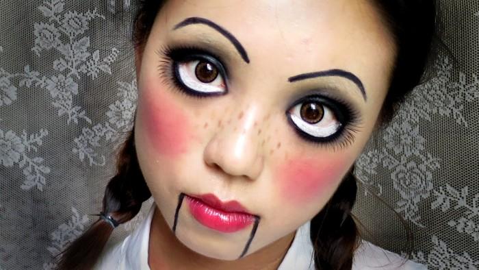 halloween kostüm kind selber machen, eine puppe, viel rouge an den wangen, große augen schminken