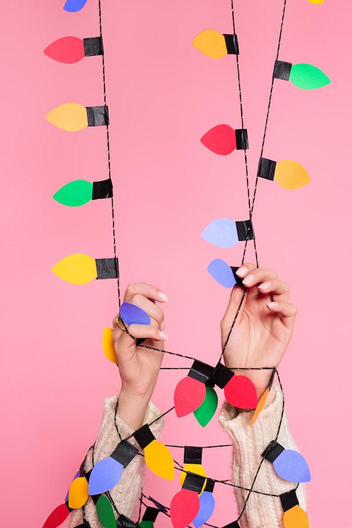 Lichterkette aus Papier selber machen, kreative Idee für schöne Weihnachtsdekoration zum Nachmachen