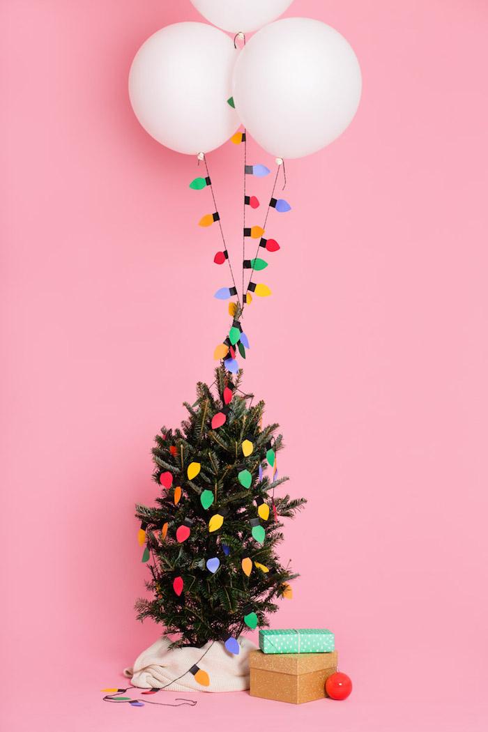 Lichterkette aus Papier selber machen, kleinen Weihnachtsbaum schmücken, DIY Weihnachtsdeko