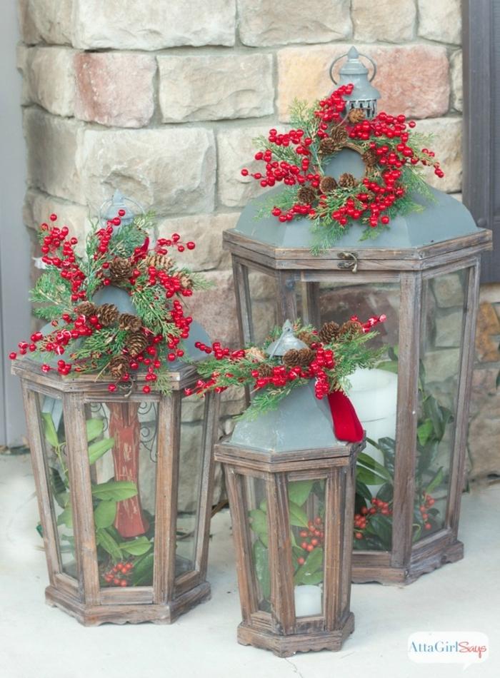 drei weihnachtliche Laterne, Laterne selber basteln und mit roten Früchten verzieren