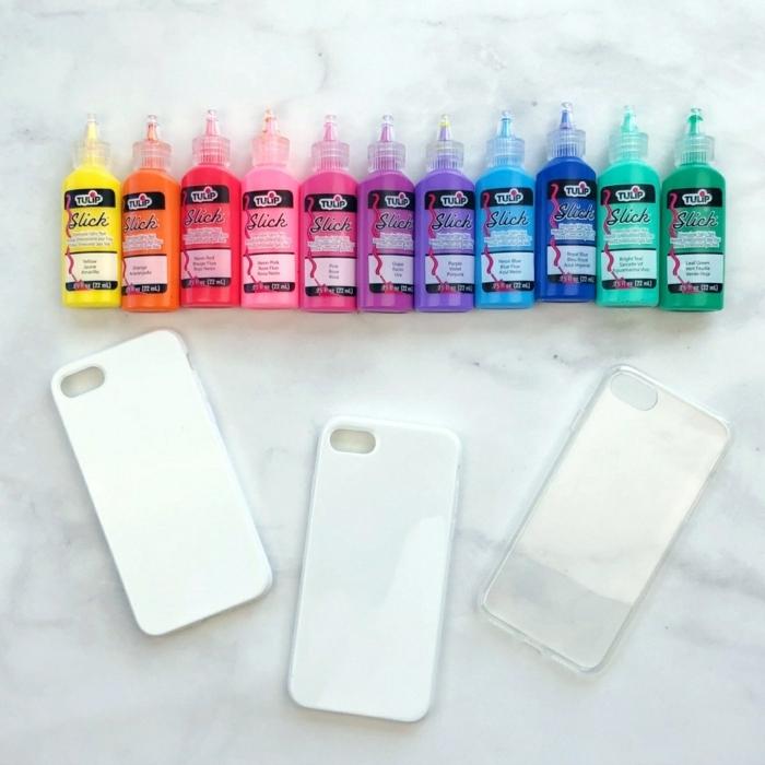 eine Palette mit der Farben von Regenbogen, von Gelb bis Grün, Handyhülle selbst gestalten günstig