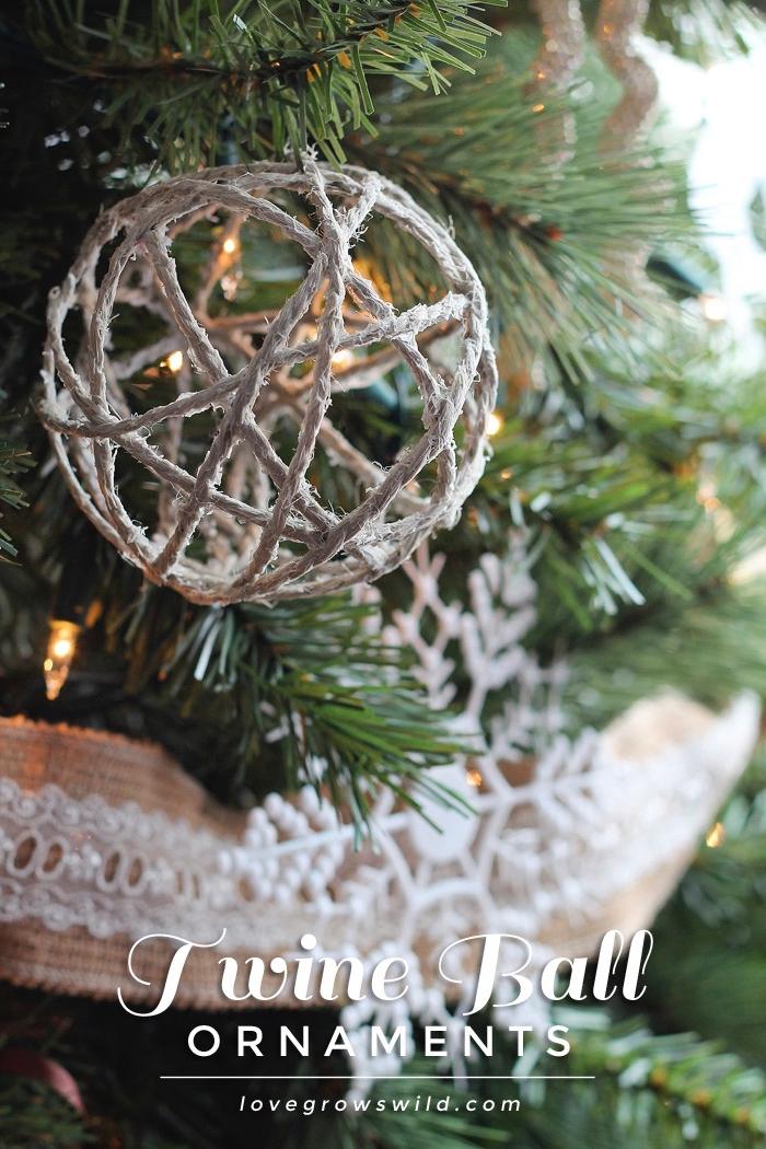 bastelideen für weihnachten, tannenbaum verzieren, kugel aus weißer schnur, lichterketten