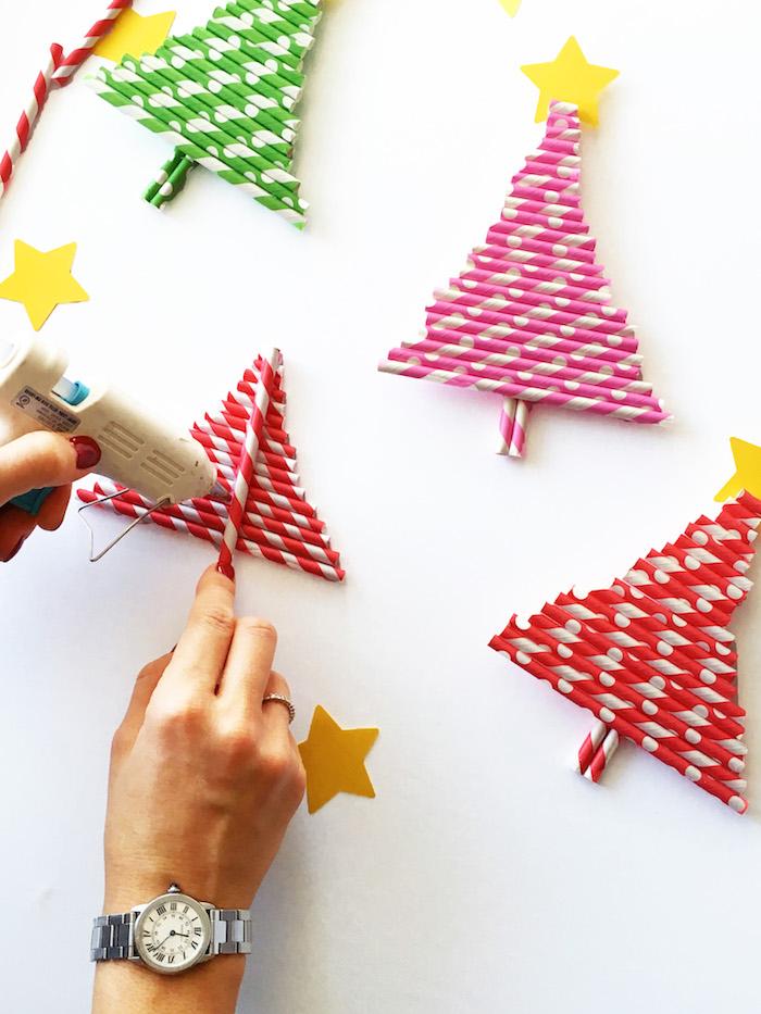 Weihnachtsbaum aus Strohhalmen selber machen, DIY Ideen für Kinder zu Weihnachten