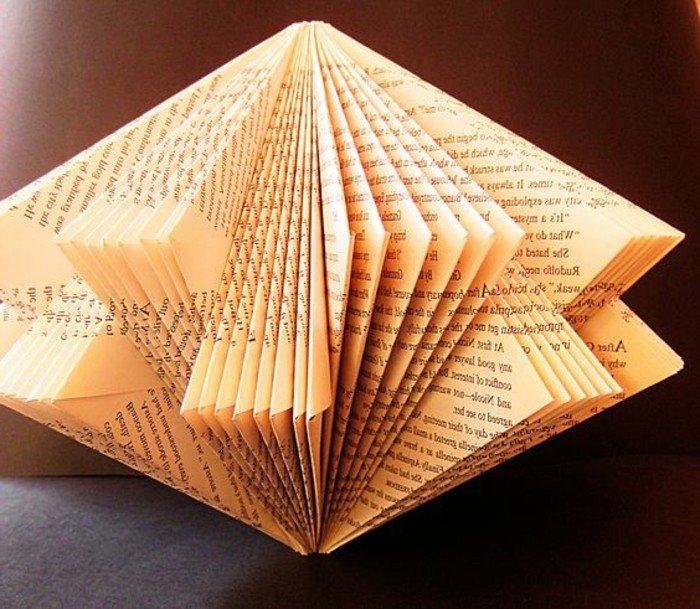 ein Diamant aus einem alten Buch mit gelben Seiten, Orimoto 3D Bastelprojekt