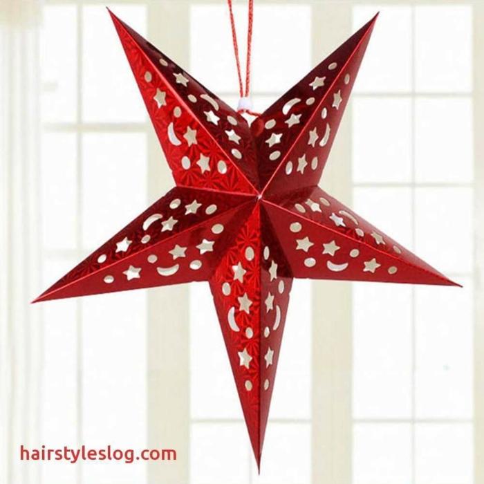 ein roter Stern mit kleinen Sternchen und Monde versehen, Bastelideen Weihnachten